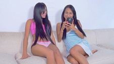 Amateur girlfriends touch and tease - video 2